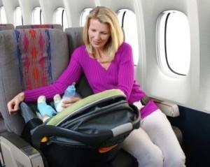 viajar-en-avion-con-bebe-300x239.jpg