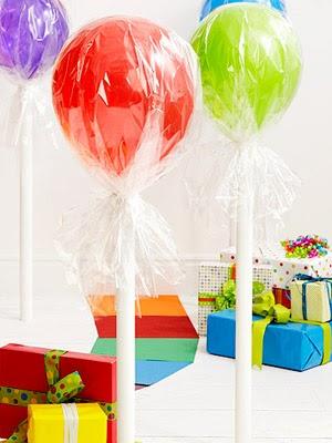lollipop-balloons-holymamablog.jpg
