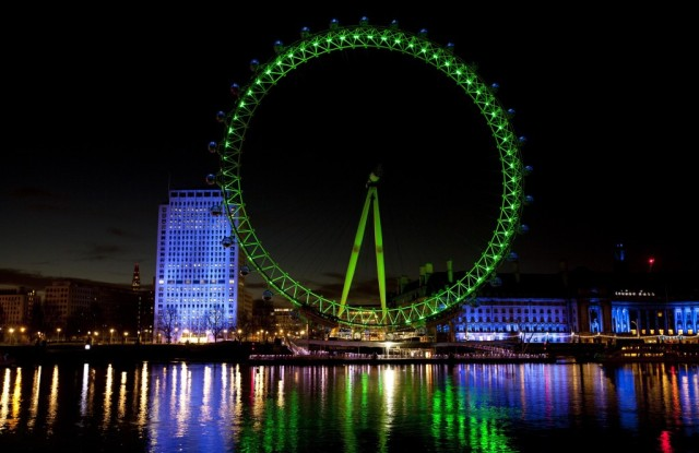 pic-2-LONDON-EYE-JOINS-TIS-GLOBAL-GREENING-2014-1024x665