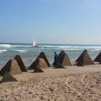 Pirámides en El Perellonet