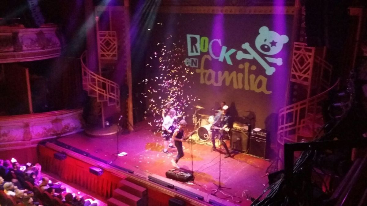 Rock en Familia. AC/DC, tributo de Thunderstruck.